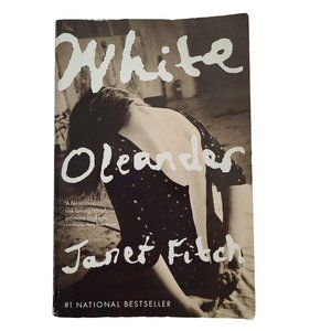 🍒3/$20🍒 White Oleander by Janet Fitch